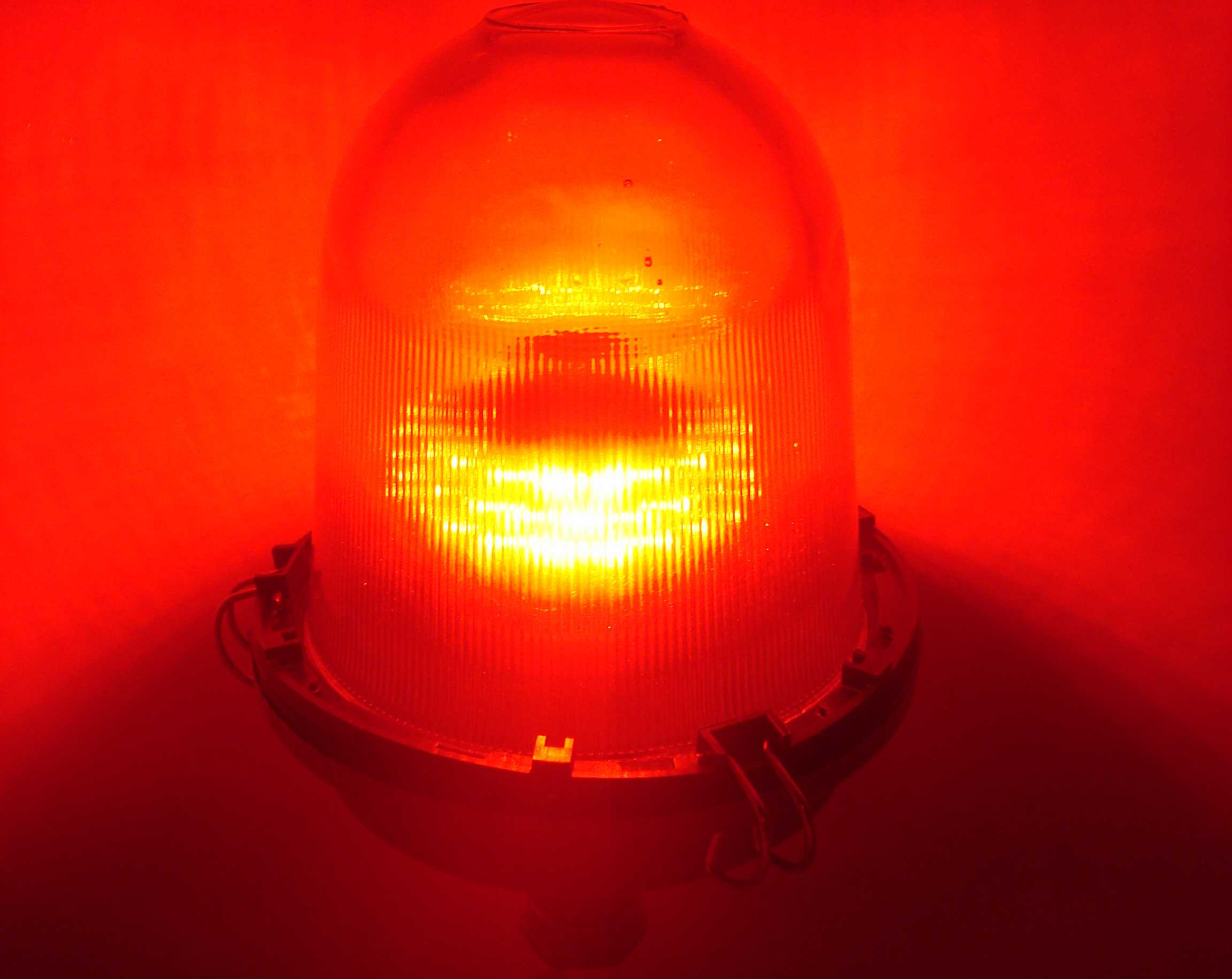 Светильник в работе